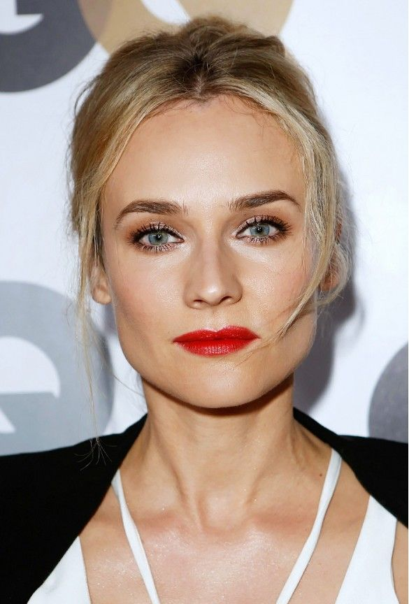 Diane Kruger // Golden-tan complexion + vibrant red lips