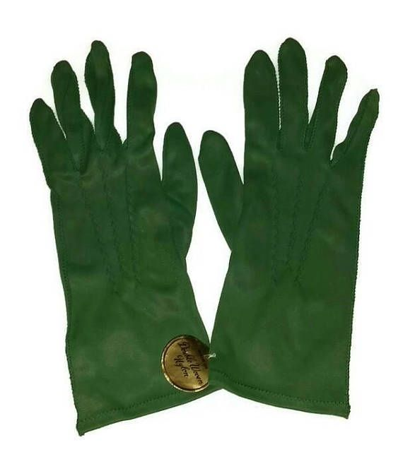 Check out this item in my Etsy shop https://www.etsy.com/ca/listing/543524020/vintage-forest-green-gloves-50s-60s-fall