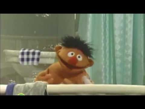 Sesamstraat - Zoek De Zeep - Ernie - YouTube