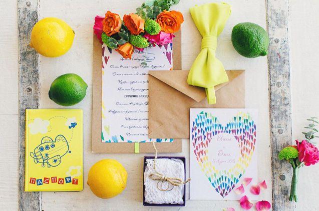 Приглашение в крафт-конверте,  Радужные сердечки, разноцветный, радужный, радуга, радужная свадьба, rainbow, heart, watercolor, invitation, wedding, stationery, приглашения, свадьба