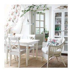 IKEA - INGATORP, Uttrekkbart bord, 1 tilleggsplate er inkludert.Uttrekkbart spisebord med 1 tilleggsplate. Gir plass til 4–6 personer, og du kan tilpasse bordets størrelse etter behov.Bordbeina blir med når du trekker ut bordet og gir mer plass til stoler rundt bordet.Bordet har ingen plate som henger utenfor bordbeina, så det er mindre fare for at små barn kan slå hodet i bordplaten.Ingen skjøter i bordplaten når ileggsplaten ikke brukes, siden den skal brukes på bordets kortside.Den…