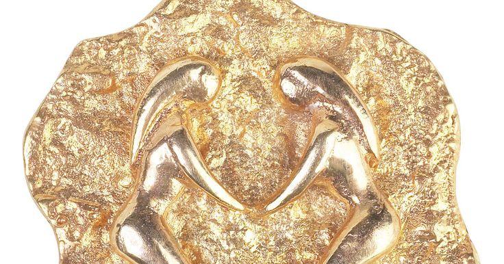 Piedras asociadas con Géminis. Las piedras del zodíaco son piedras preciosas relacionadas a cada mes, mientras que las piedras estrella son piedras preciosas relacionadas a tu planeta o signo estrella en vez de al mes en el que naciste. Géminis, conocido como los Gemelos (del 22 de mayo al 21 de junio), tiene varias piedras preciosas y semipreciosas diferentes asociadas al ...