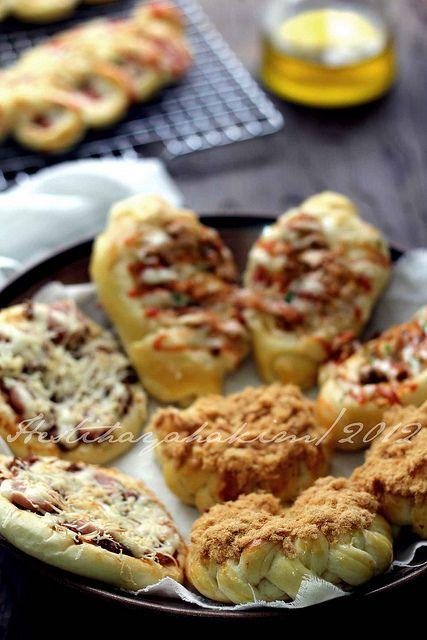 HESTI'S   KITCHEN : yummy for your tummy: Aneka Roti Asin...