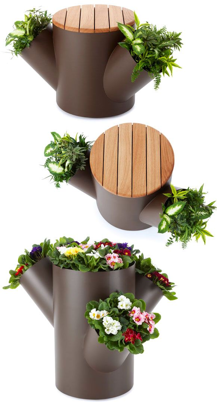 Criatividade!    Em cima, um banco.  E nas laterais, pequenos espaços para o cultivo do seu jardim!