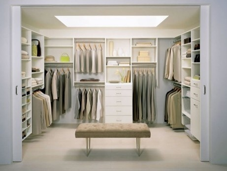 Love the museum bench in the center. My Dream Closet!