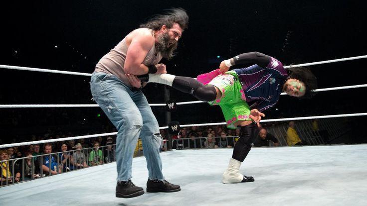 The Usos get a leg up on Wyatt Family members Luke Harper & Erick Rowan.
