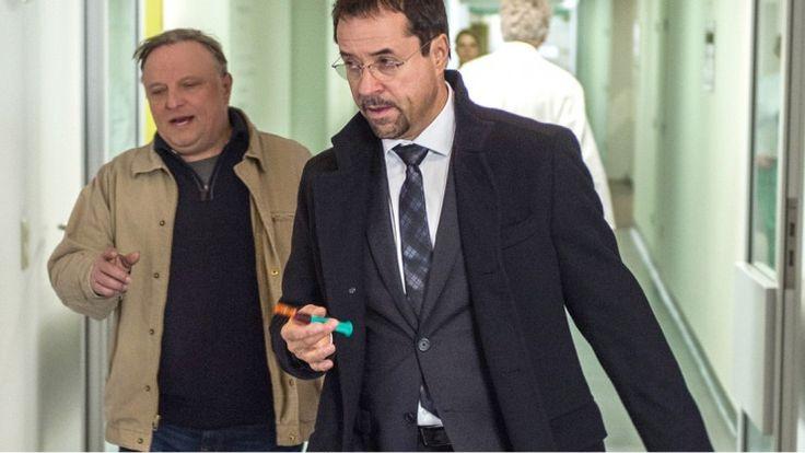 """Im Münster-Tatort: Mord ist die beste Medizin"""" ermitteln Boerne und Thiel heute im Klinikum. Wer ist beliebter? Prahl oder Liefers? Fakten zum ARD-""""Tatort""""."""