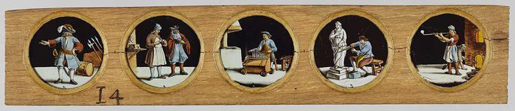 Anonymous | Vijf beroepen naar Het Menselyk Bedryf, Anonymous, Jan Luyken, Caspar Luyken, c. 1700 - c. 1790 | Vijf glaasjes met uitbeeldingen van beroepen in een houten vatting. Uiterst links: officier, met uitgestrekte arm, op de achtergrond wapens. Rechts daarvan: brillenmaker, staand met aan zijn linkerkant een koffer met brillen op een plank, rechts van hem een klant. In het midden: een kaarsenmaker tilt een rek met kaarsen uit het bad. Rechts daarvan: een beeldhouwer, met hamer en…
