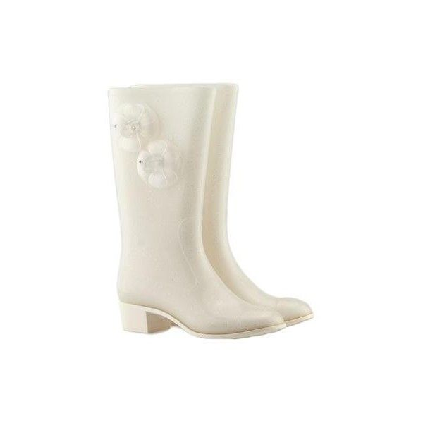 Pre-owned Chanel White Rubber Mid - Calves Boots ($144) ❤ liked on Polyvore featuring shoes, boots, white wellington boots, white rubber shoes, rain boots, white rubber boots and wellies boots