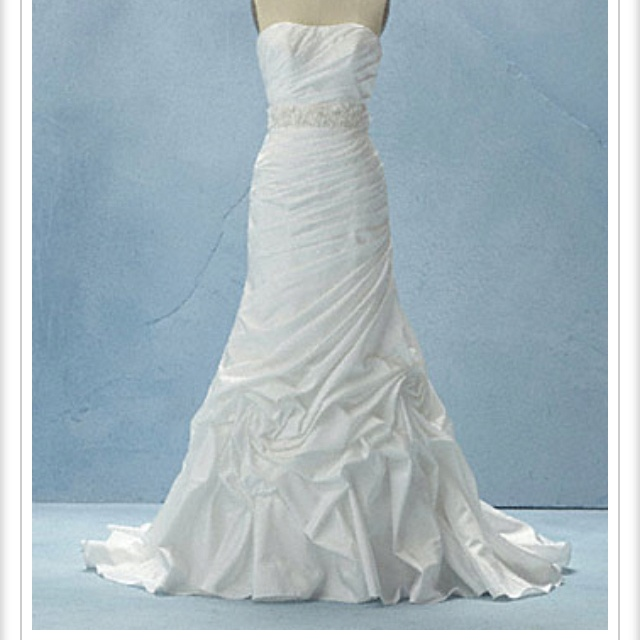 56 best disney wedding dresses images on Pinterest | Wedding frocks ...