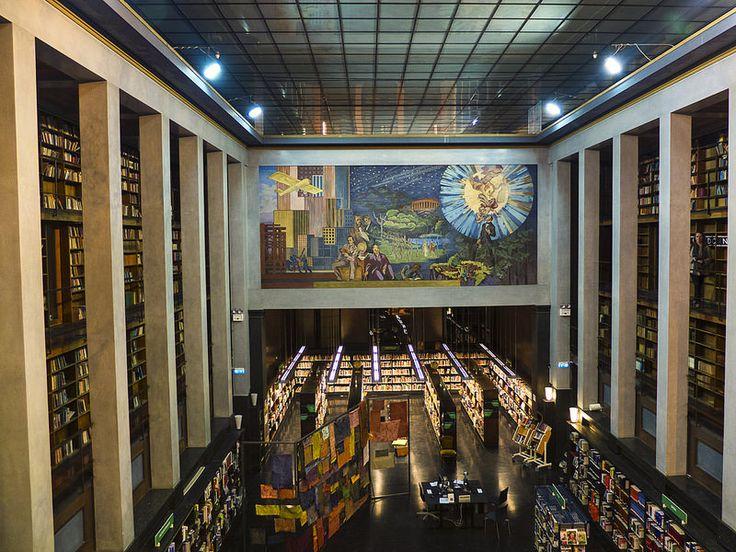 Deichmanske Hovedbibliotek #fujifilm #fujifilmx10
