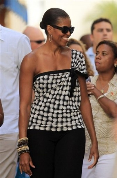 It'z Awesome To See Our #1stLady,,, Livin' Down To EARTH #Very Humble-Lady #lalalandnewzzzflash