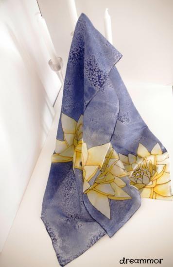 watter lily, silk scarf,   pañuelo de seda nenúfar