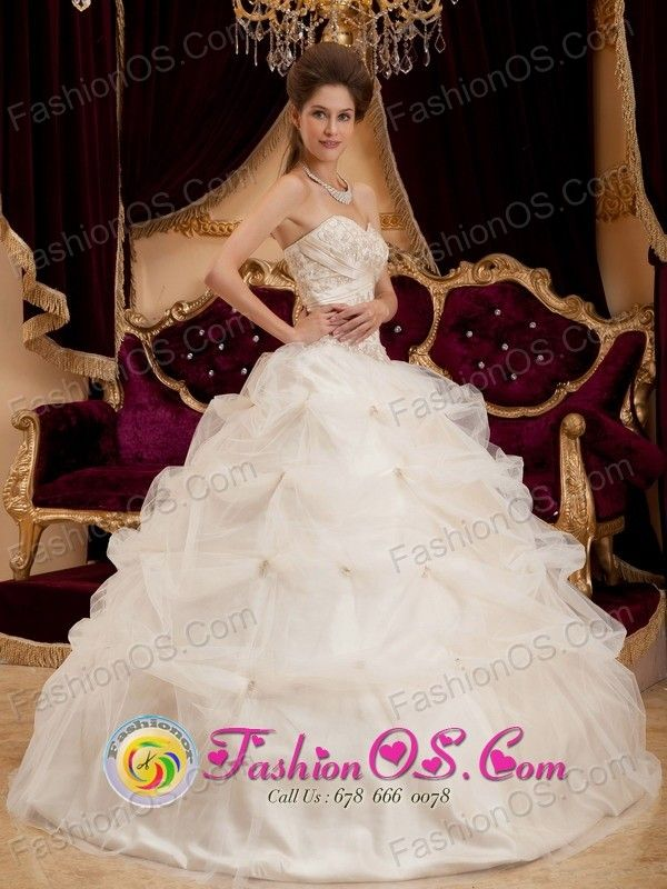 http://www.fashionor.com/Cheap-Quinceanera-Dresses-c-6.html  Semi-formal Dresses for a quinceanera    Semi-formal Dresses for a quinceanera    Semi-formal Dresses for a quinceanera