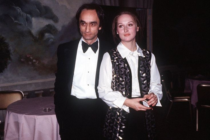"""In 1978, a young Meryl Streep was on the verge of becoming the greatest actress of her generation. She was also about to lose the love of her life. """"She doesn't talk about it much,"""" says Michael Sc…"""