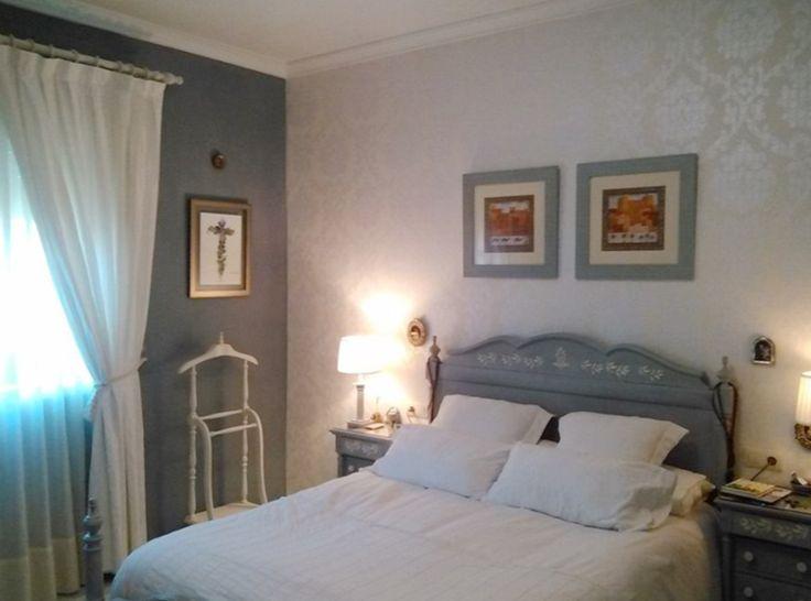 @artesanomalaga nos descubre el magnífico trabajo de Lola. Ha transformado totalmente su habitación pintando paredes y muebles. Esto si que es un cambio radical, ¡felicidades Lola por el resultado! #autenticopaintspain #autenticochalkpaint #chalkpaintes #autenticospain #autenticopaint #laliwhite #laiablanco
