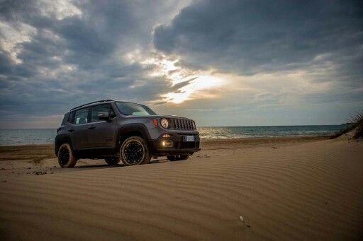 Nuova Jeep Renegade Night Eagle, nuovo allestimento con livrea opaca e particolari satinati #Jeep #Renegade @jeep