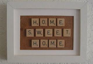 Home sweet home met oude scrabble doos en fotolijstje