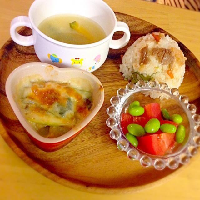 ・鮭と小松菜のグラタン ・トマトと枝豆 ・牛飯 ・カボチャの味噌汁 - 9件のもぐもぐ - 息子夕食 鮭と小松菜のグラタン by eri6812