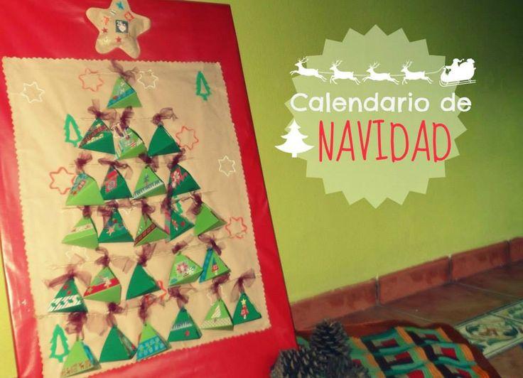 Calendario adviento de cajitas formando un árbol
