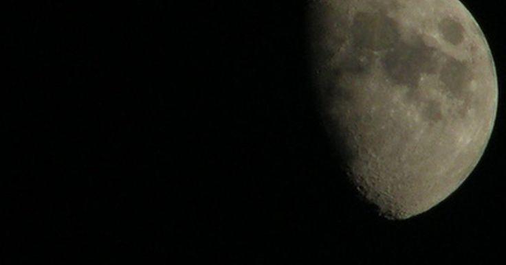 O que é trânsito solar e lunar?. Em termos astronômicos, o trânsito possui três significados, todos relacionados ao movimento aparente dos corpos celestes do ponto de vista de um observador. Por serem os maiores corpos celestes que se pode ver da Terra, o trânsito do Sol e da Lua possui um significado especial e atrai o interesse de astrônomos e observadores eventuais.