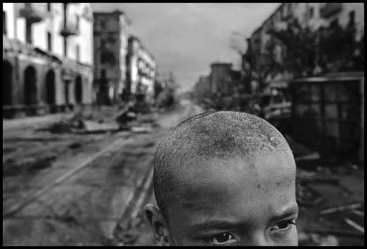 Chechnya, 1996 - Ruins of central Grozny by James Nachtwey