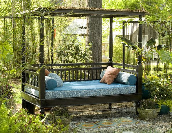 Daybed Photos