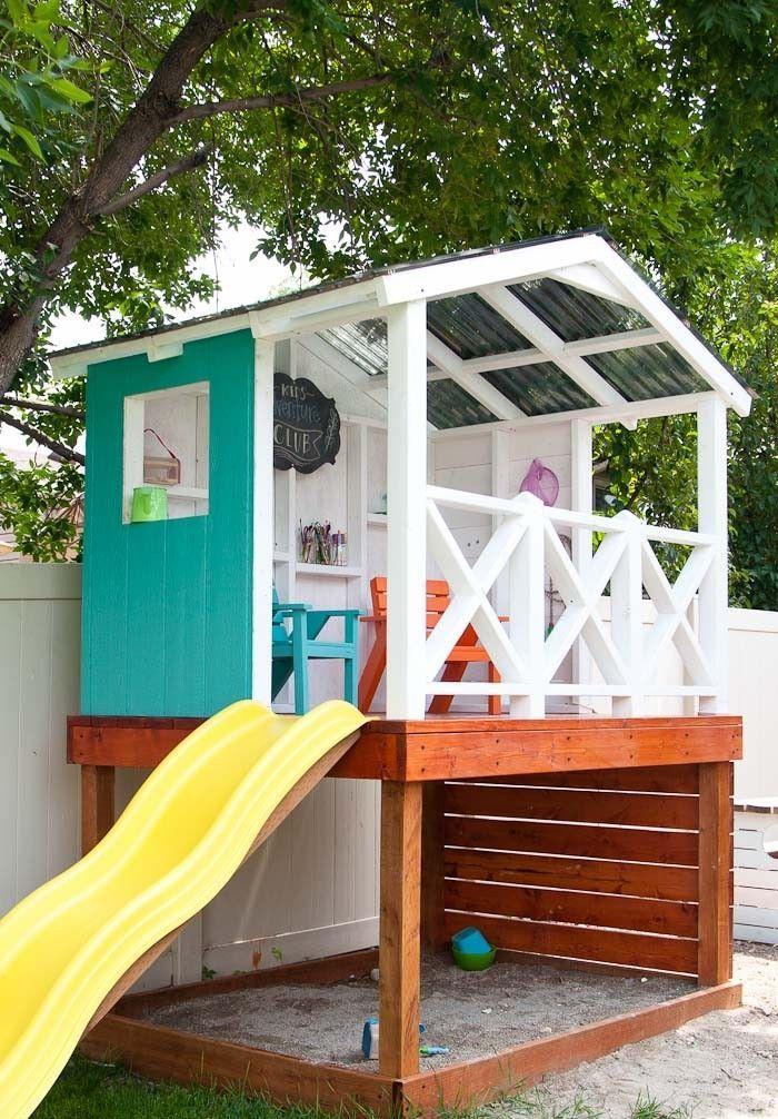 stelzenhaus kinderspielhaus holz selber bauen mit Rutsche und Sandkasten