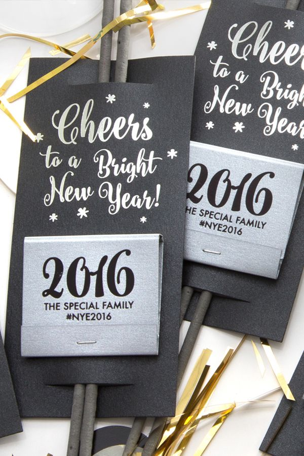 Start the New Year with a personalized spark! These custom foil stamped sparkler sleeves are going to add the glamour to your holiday party.