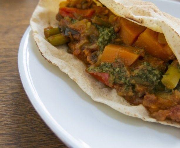 Mooi! Let bij het kiezen van je groenten voor de curry ook op variatie in kleur