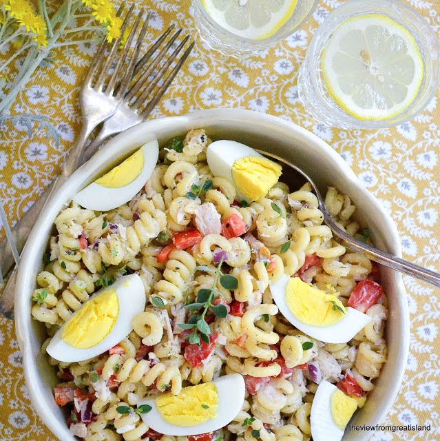 A classic Pasta Salad with Tuna! Sub mayo for Greek yogurt and call it a day.