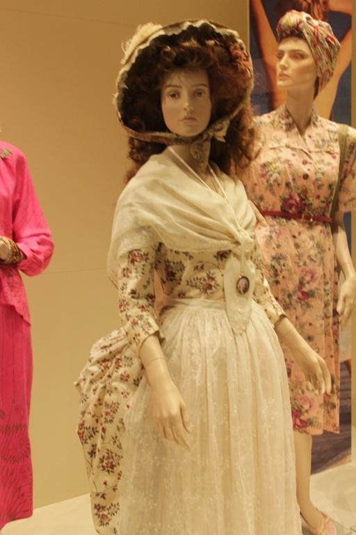 women handbags brands  Laura Frantz  Author on Exquisite historydress