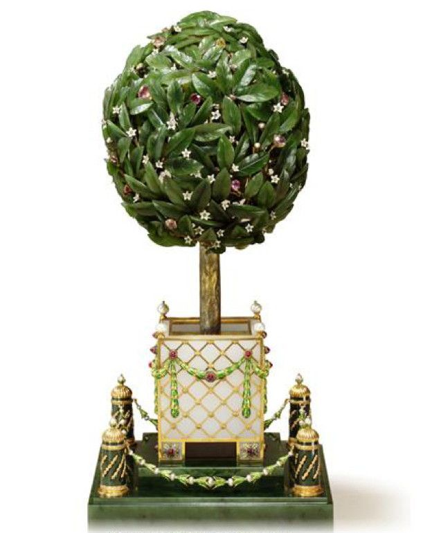 Orange Tree Egg (or Bay Tree Egg), 1911. Presented by Nicholas II to Dowager Empress Maria Fyodorovna. Gold, nephrite (1), diamonds, citrines, amethysts, rubies, pearls, agate, feathers. Kept in Svyaz' Vremyon Fund - Viktor Vekselberg collection - Moscow.