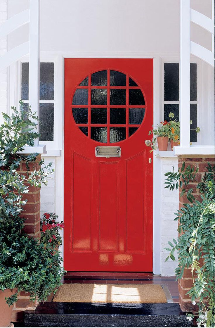 Sandtex 10 year exterior gloss in pillar box red knock knock pinterest 10 nice and home - Sandtex exterior paint ideas ...