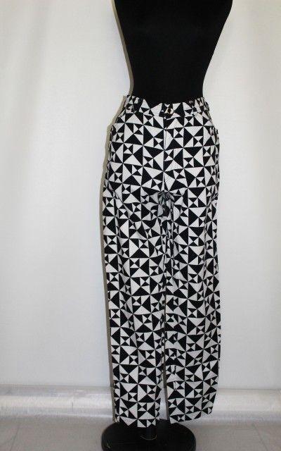 """Pantaloni alb cu negru """"Escada"""" http://www.vintagewardrobe.ro/cumpara/pantaloni-alb-cu-negru-escada-7496030 #vintage #vintageautentic #vintagewardrobe #vintagepants #escada"""