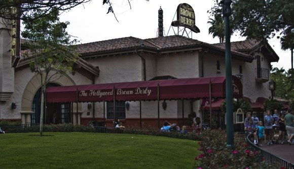 The Hollywood Brown Derby in Hollywood Studio's has to be the best restaurant in the park. I wish they would incorporate more good restaurants here.: Disney Restaurants, Hollywood Brown, Brown Derby, Dream Vacations, Hollywood Studios, Wdw Foodies