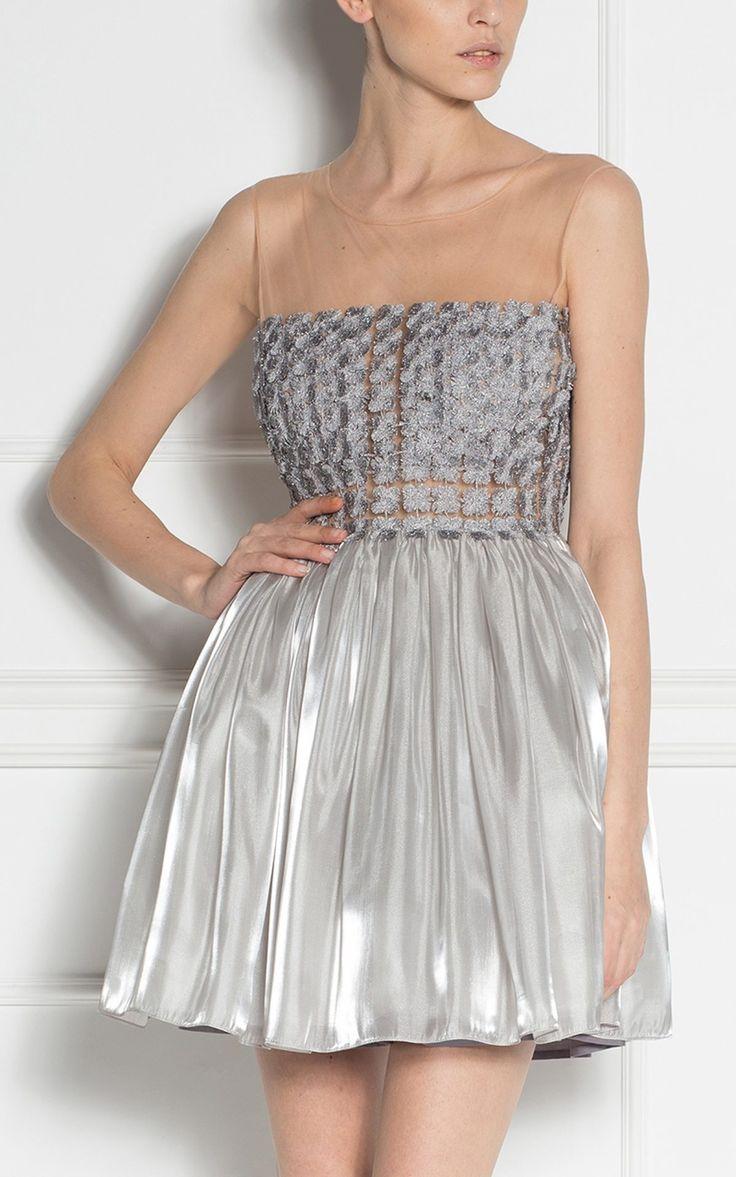 Straluceste o noapte intreaga in rochia de ocazie NISSA mini tutu cu insertii metalice!