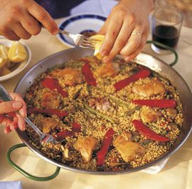 paella a la norberto jorge. find it on finecooking.com. adapt. eat. super YUM.