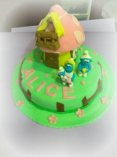 I puffi! Smurfs cake.