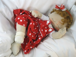 Mimin Dolls. Oh, how cute little baby! Free pattern.