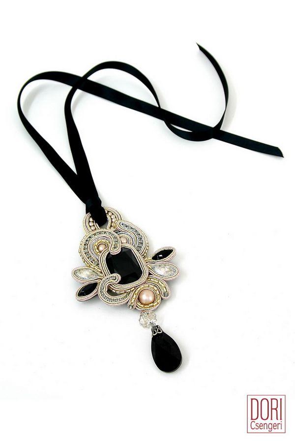 pins & rings : Desiree Onyx Pendant