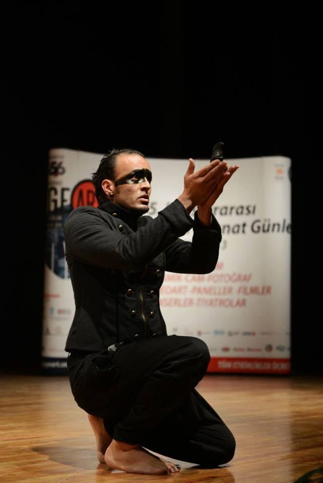 "Ernesto Vargas REYES ""Ekidna""Sahne Performansı ""Ekidna""Live Performance"