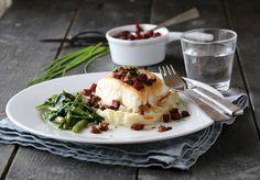Pannestekt torsk med chorizosmør og spinatsalat