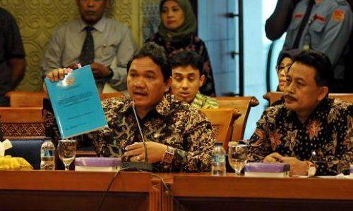 BPK Serahkan Hasil Audit Investigasi JICT ke DPR : Badan Pemeriksa Keuangan (BPK) menyerahkan hasil audit investigasi soal perpanjangan kontrak Terminal Peti Kemas Jakarta (JICT) kepada Pimpinan DPR RI. Hasil audit ters