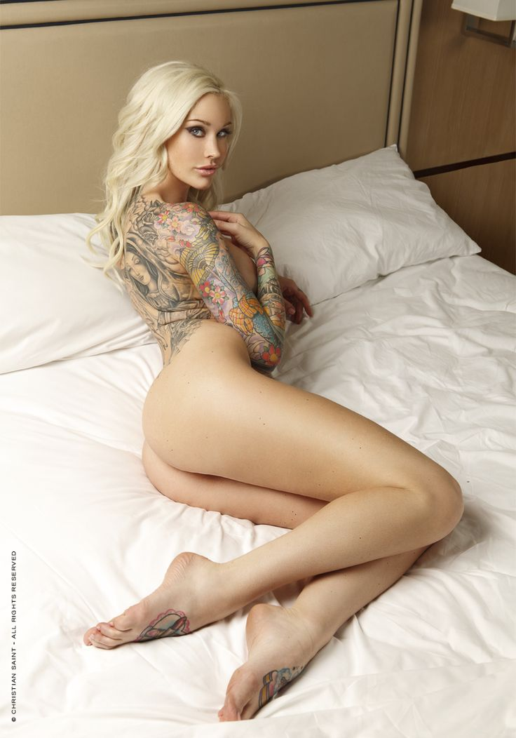Tattoo a blowjob Naked woman giving