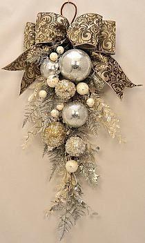 [DIY: Beautiful alternative to a traditional wreath.]