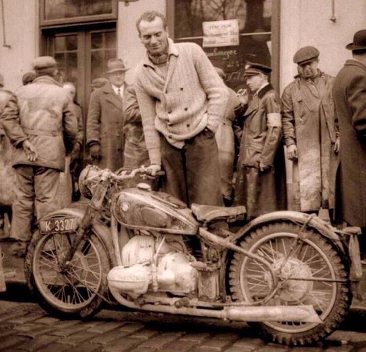 BMW R-5 1936 source: Miguel Giesener, Vintage & Classic BMW Motorcycles USA
