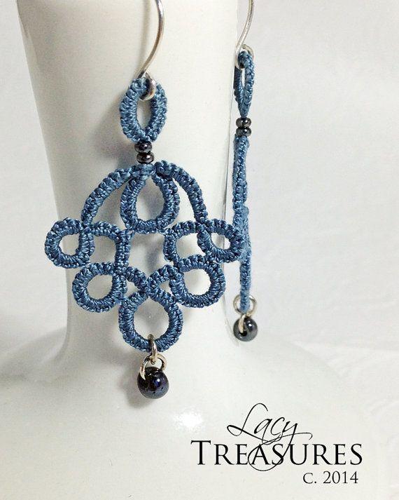 Blue dangle Earrings . Drop bead . Modern Lace di LacyTreasures
