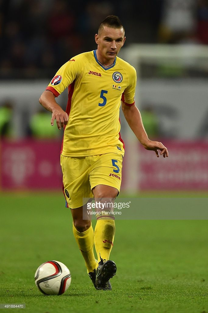 ovidiu-hoban-of-romania-in-action-during-the-uefa-euro-2016-qualifier-picture-id491884470 (683×1024)