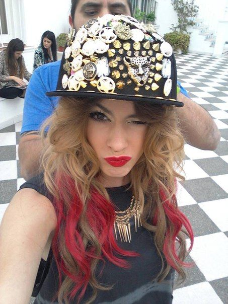 Martina Stoessel has RED HAIR !!!!!!!